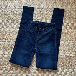 size 24 Levis jeans/jeggings